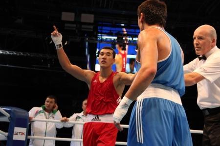 Мангистауский боксер Адильбек Ниязымбетов вышел в финал Чемпионата мира
