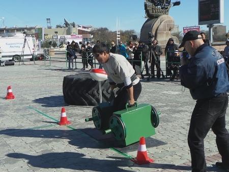 В Актау прошли съёмки телешоу для силачей