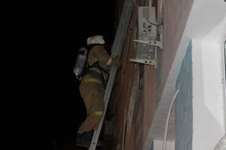 В Актау огнеборцы провели пожарно-тактические учения в областной больнице