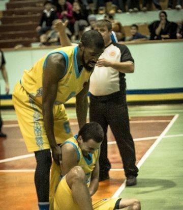 """Игрок баскетбольного клуба """"Астана"""" получил в Актау серьезную травму"""