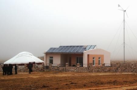 Бакытжан Утегалиев рассказал о развитии альтернативной энергетики в Мангистау