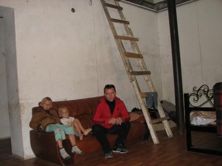 Многодетная семья переселенцев из Киргизии рискует расстаться со своим домом