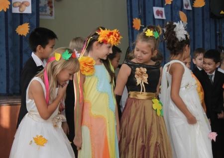 В школах  Актау празднуют «Осенний бал»