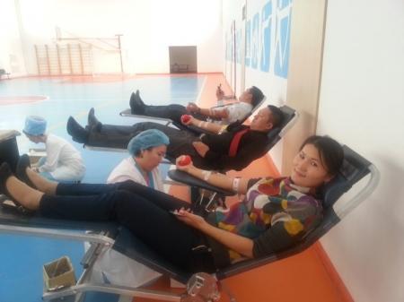 Мангистауские таможенники сдали кровь для нуждающихся