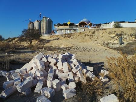 На набережной в 4 мкр Актау идет благоустройство