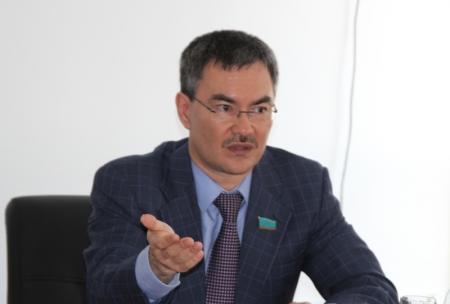 В Мажилисе Парламента РК началось обсуждение законопроекта о реконструкции автодороги Актау-Шетпе