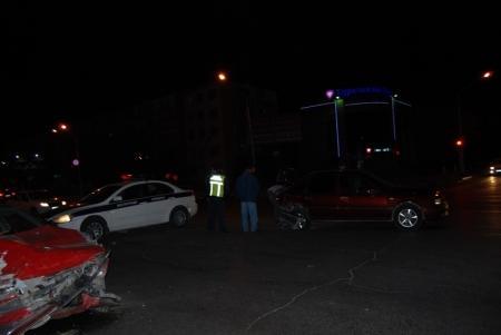 Между 7 и 8 микрорайонами Актау столкнулись два автомобиля