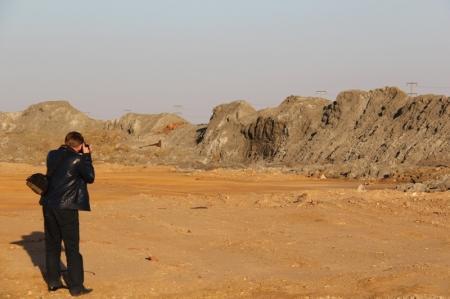 Экологи: Сто тысяч тонн химических отходов хранятся под открытым небом вблизи Актау