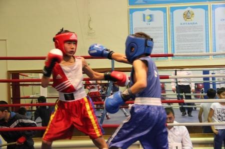 В Актау прошел традиционный турнир по боксу «Осенние каникулы»