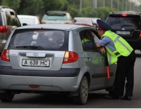 Информация о том, что полицейским запретили использовать жезлы, не соответствует действительности