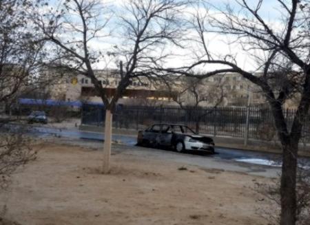 В Актау ночью сгорела машина