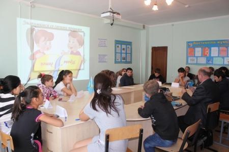 В Актау выпускников детских домов консультируют по жилищным вопросам