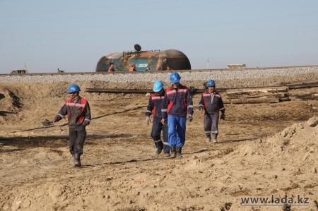 Руководство компания «Емир Ойл» пообещало произвести рекультивацию участка на месте горения цистерн с нефтью