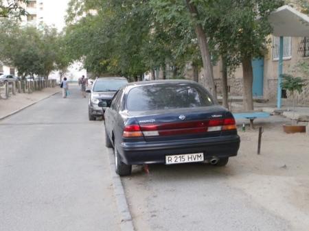 Актау запаркованный