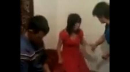 В Сеть выложили видео кражи невесты на юге Казахстана