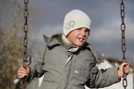 Дети посёлка-призрака  мечтают об игровой площадке