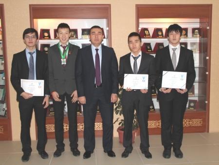 Трое школьников Мангистауской области стали серебряными призерами V Евразийской олимпиады по информатике