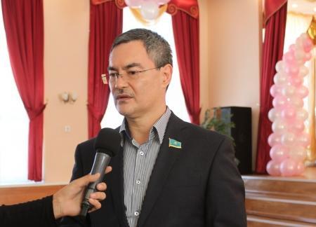 Серик Оспанов: В 2014 году в Мангистауской области выделят средства для строительства новых школ на месте двух аварийных