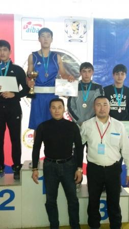Мангистауские боксеры завоевали шесть медалей на зональном чемпионате Казахстана