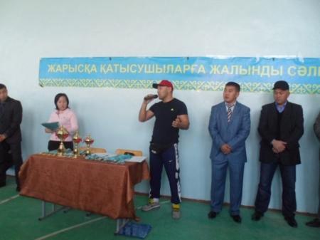 В Мунайлы прошел турнир по армрестлингу среди школьников