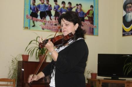 Директор детской школы искусств Актау вынуждена «воевать» с областной филармонией за квадратные метры
