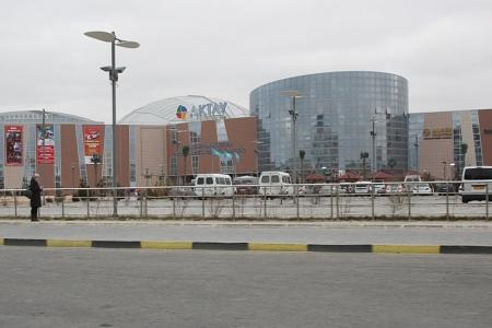 """В экстренные службы Мангистауской области поступили сообщения о заложенных бомбах в ТРК """"Актау"""" и бизнес-центре """"Звезда Актау"""""""