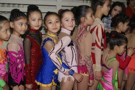Актауские гимнастки завоевали 11 медалей на открытом чемпионате в Атырау