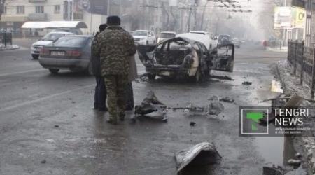 В Сеть выложили два новых видео взрыва иномарки в центре Алматы