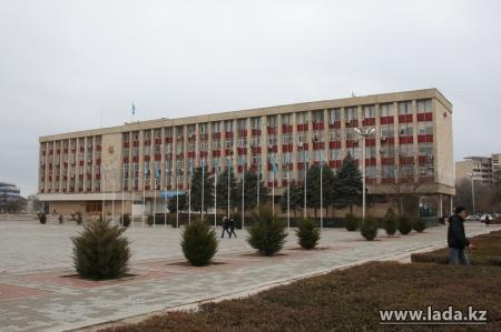 Начальнику актауского отдела ЖКХ объявили выговор за сквернословие