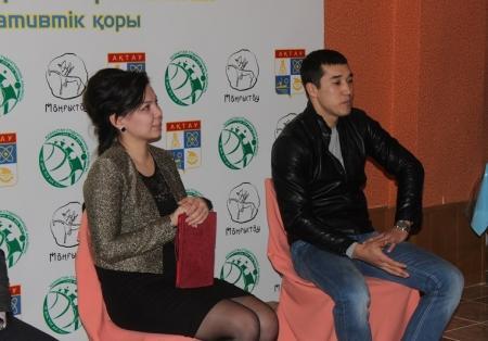 Актауские студенты встретились с боксером Адильбеком Ниязымбетовым