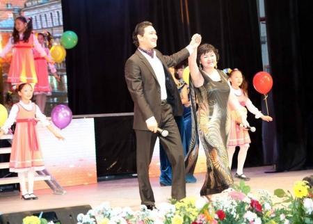 В Актау прошел благотворительный ретро-концерт