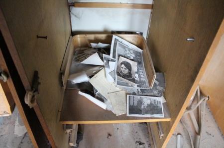 Волонтеры Актау убрали мусор из квартиры больного пенсионера и собираются её отремонтировать