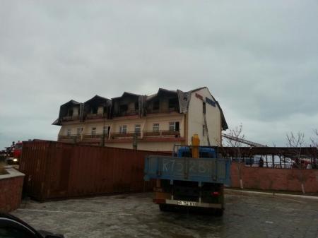 В Актау произошел крупный пожар в гостинице «Достар»
