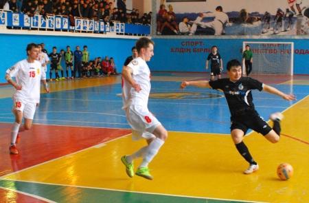 Жанаозенский «ОзенМунайГаз» провел две игры с карагандинским «Тулпаром» в чемпионате РК по футзалу