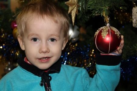 В Актау прошла рождественская елка для детей из малообеспеченных семей