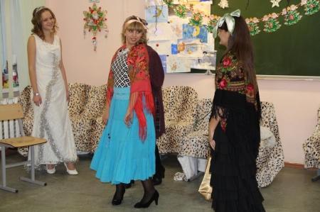 Школьники Актау сыграли в новогоднем спектакле