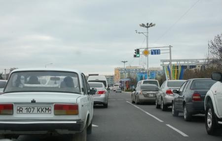 Светофор у «Дома связи» в Актау обещали починить к завтрашнему вечеруждзжюд