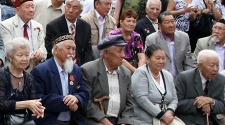 С 1 января в Казахстане повышены пенсии и налоги на авто и жилье
