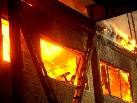 В Мангистау полностью сгорел жилой дом