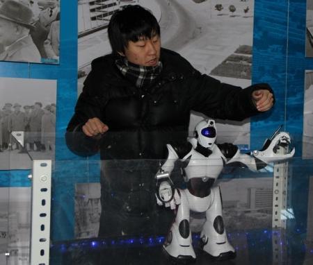 В Актау открылась выставка роботов