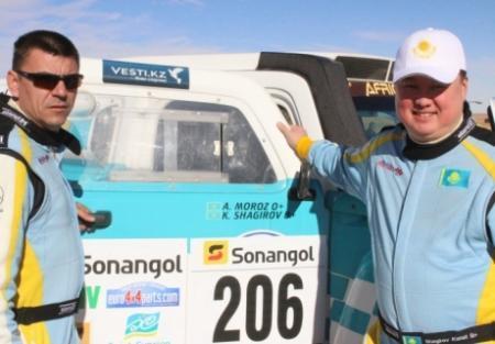 Экипаж «Mobilex Racing Team» в составе Каната Шагирова и Александра Мороза поднялся на четвертое место «Africa eco Race»