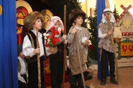 В актауской Благовещенской церкви прошла рождественская елка