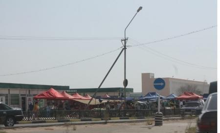 В Актау обещают установить светофор на дороге к центральному рынку