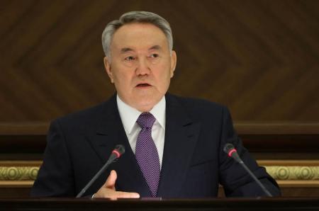 Нурсултан Назарбаев призвал усилить мощность порта Актау