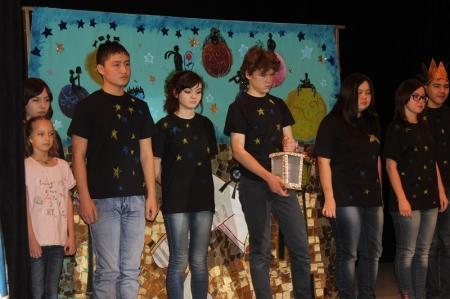 """В Актау прошел спектакль """"Маленький принц"""" в исполнении актеров театра-студии """"Алые паруса"""""""