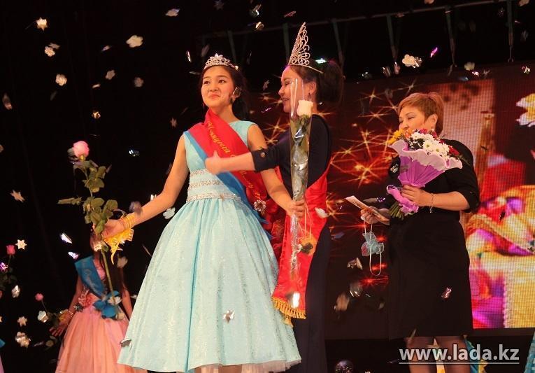 Принцессы на подиуме: Модный конкурс