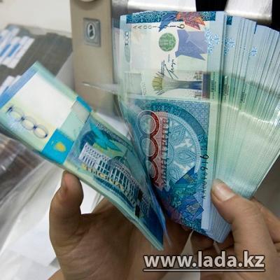 Вернуть доверие людей, подняв ставки по тенговым депозитам, предложили Келимбетову