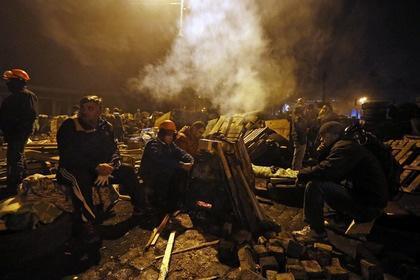 Протестующие заняли Верховную Раду и администрацию президента