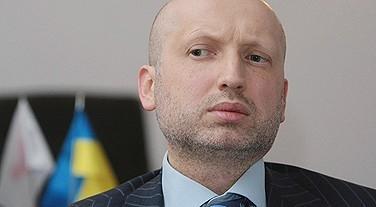 Турчинов: войска ЧФ России должны оставаться на базе