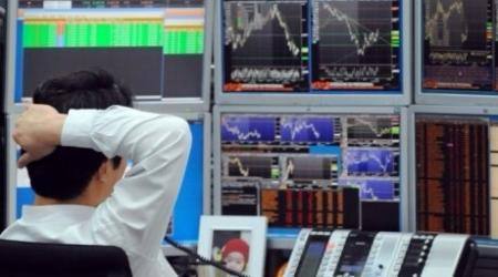 Банки и обменники Казахстана не продают доллары по средневзвешенному курсу в 163 тенге